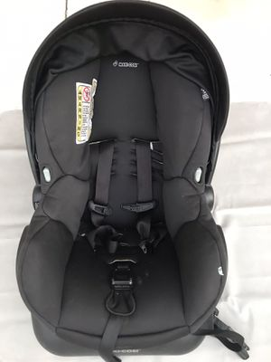 Maxi Cosi infant car seat with base for Sale in San Diego, CA