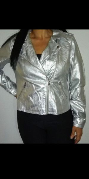 Motorcycle style Silver jacket / ver fotos for Sale in Fullerton, CA
