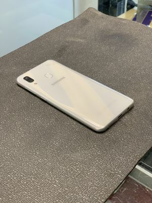 Samsung Galaxy A30 White 32GB for Sale in Brooklyn, NY