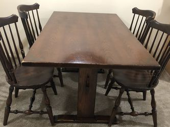 Vintage dining room table 60 Inch long 33 with 29 height with four chairs for Sale in Macomb,  MI