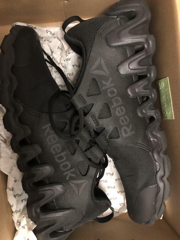 Black Reebok brand new men's shoe size 9