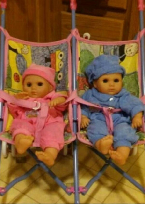 TWIN COLLECTORS BABIES AND STROLLER RARE AND HARD TO FIND!