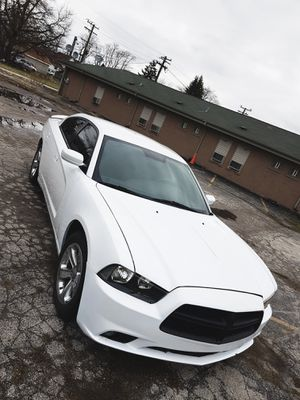 2013 Dodge charger 3.6 sxt clean title no check engine Dodge Chrysler Jeep Chevy Chevrolet Nissan Ford Pontiac Infiniti for Sale in South Holland, IL