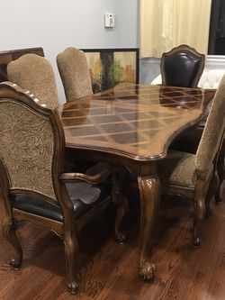 Beautiful Fortunoff Dining Room Set Dining Room Table w/ 6 chairs for Sale in Brooklyn,  NY