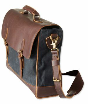 Mens LL Bean messager bag for Sale in Kissimmee, FL