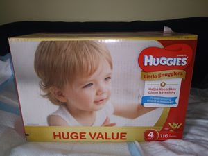 Huggies Little Snugglers Size 4, 116 ct for Sale in MONTGOMRY VLG, MD