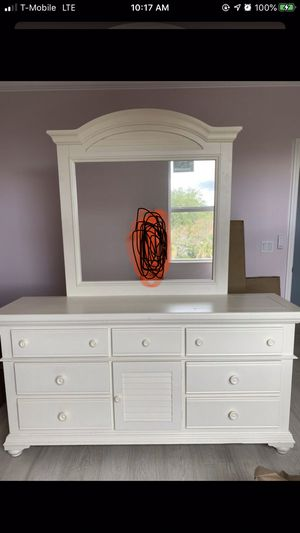 Dresser for Sale in Delray Beach, FL
