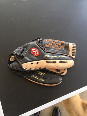 Rawlings Glove for Sale in La Puente, CA
