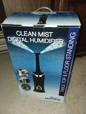 Air Innovations Clean Mist Digital Humidifier for Sale in Puyallup, WA