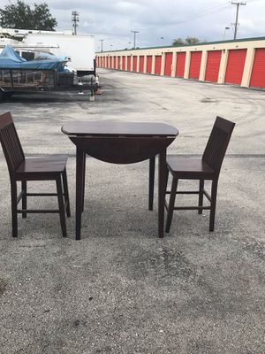 Small 2 Seater Table Expandable Table for Sale in Sunrise, FL