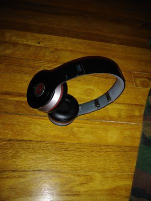 Beats solo 2 wireless for Sale in Allen Park, MI