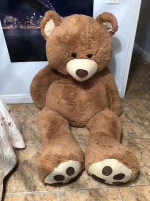 Giant Teddy Bear 6feet for Sale in Kissimmee, FL