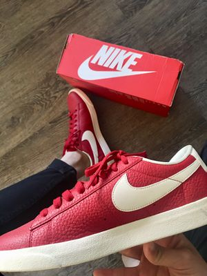 Nike Red Leather Women Size 8 for Sale in Annandale, VA