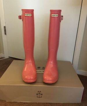 100% Authentic Brand New in Box Hunter Original Gloss Rain Boot / Color Pink / Women size 8 for Sale in Walnut Creek, CA
