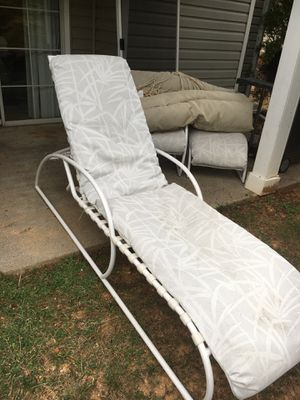 Patio / Pool Lounger Set with table for Sale in Roanoke, VA