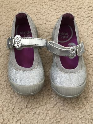 Toddler girl shoes, size 6.5US for Sale in Revere, MA