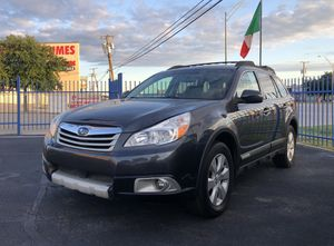 2011 Subaru Outback AWD 4x4 SUV Leather Moonroof Luxurious Nicer than RAV4 or CRV for Sale in Dallas, TX