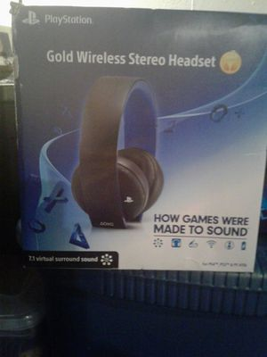 Wireless headset ps4 gold for Sale in Denver, CO