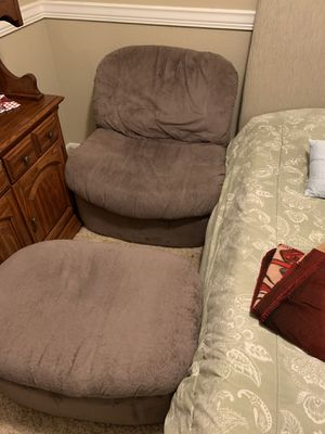 Chair and ottoman set for Sale in Surprise, AZ