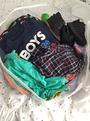Bag off kids clothes boy and girl 2t 3t for Sale in Los Angeles, CA