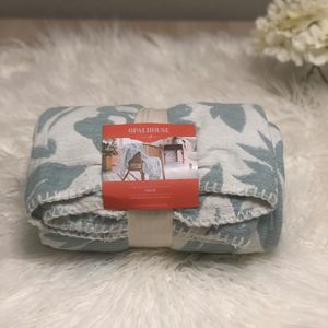 Opalhouse Blue woven throw blanket for Sale in Temecula, CA