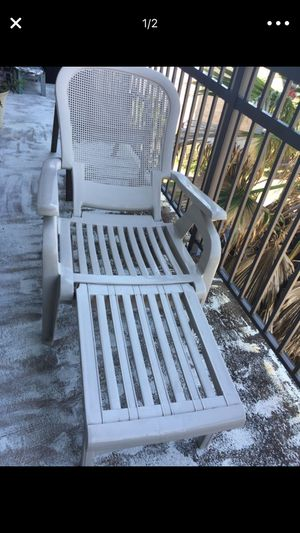 2 new pool or patio chairs only for $40 good deal for Sale in Houston, TX