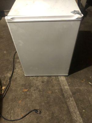 Mini fridge for Sale in Vancouver, WA