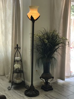 Floor lamp for Sale in Perris, CA