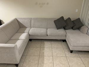 Sofa de tres piezas (grande) for Sale in Doral, FL