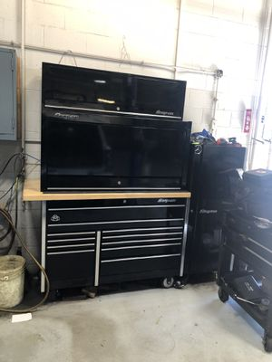 Snap on tool hutch and top locker for Sale in Germantown, MD