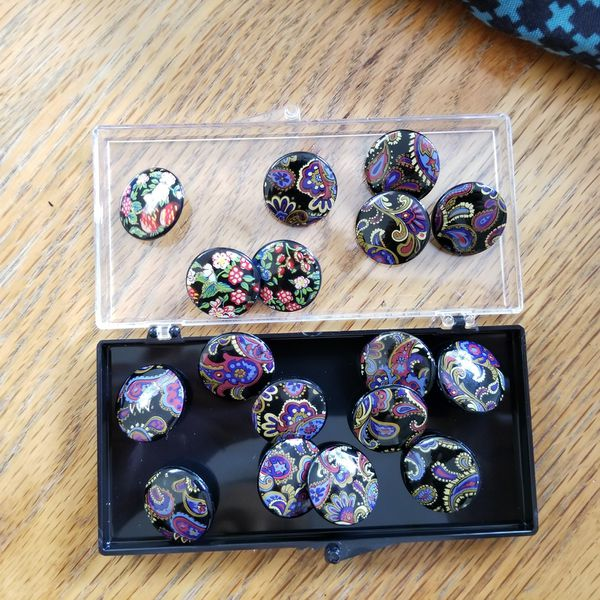 Collection of buttons, various sizes, colourful, about 400 pieces, sewing, craft, crafting, art, small to large, vintage
