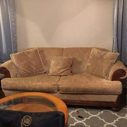 Couches And Coffee Tables for Sale in Buckeye,  AZ