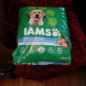Iams Large Breed Dog Food. 2 Bags for Sale in Oakland, CA
