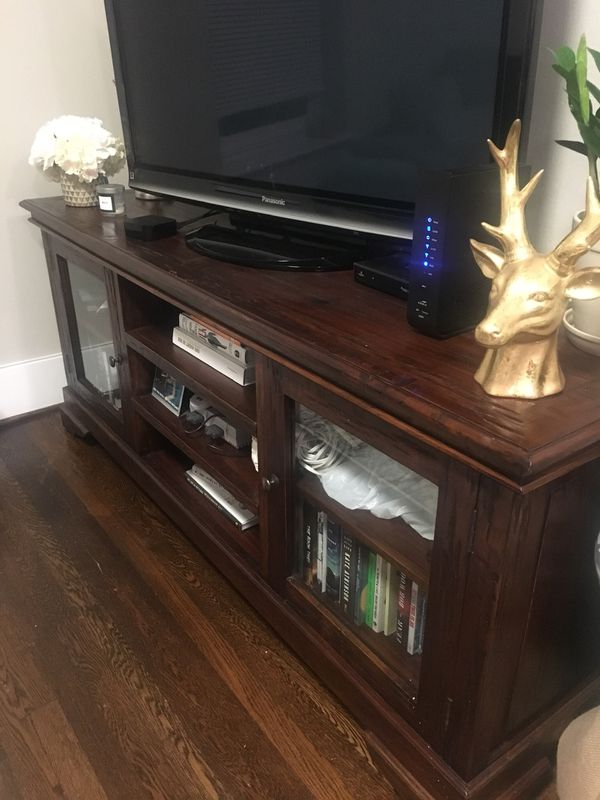 Pottery Barn MEDIA CENTER