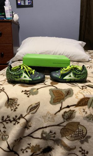 Sz 7 kids soccer/baseball shoes for Sale in Dallas, TX