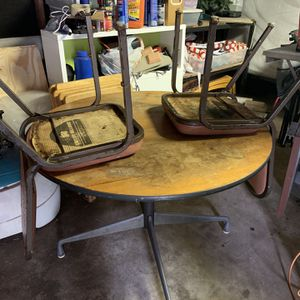 Free Table for Sale in Houston, TX