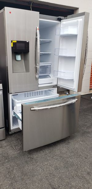 REFRIGERATOR SAMSUNG (NEW) for Sale in Paramount, CA