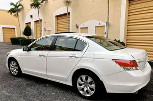 🎁$12OO 📗URGENT📗 For sale 2010 Honda Accord Runs and drives great! Clean title!! for Sale in Santa Ana, CA