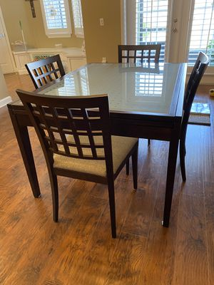 Calligaris extension dining table with chairs for Sale in Alafaya, FL