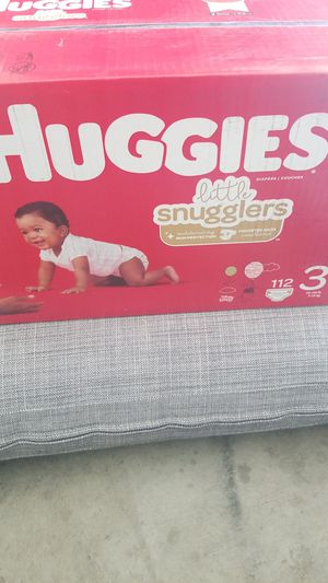 HUGGIES LIL MOVERS SIZE 3 112CT for Sale in Fontana, CA