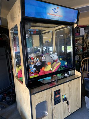 Claw machine for Sale in Denver, CO