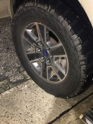 """18"""" ford rims with new mud tires 1000 for Sale in Miami, FL"""