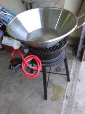 New burner with frying pan for Sale in Pharr, TX