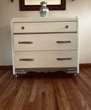 $ 50 Beautiful Dresser for Sale in Newington, CT