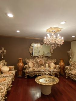 Very gorgeous antique Victorian living room set for Sale in Sterling Heights,  MI