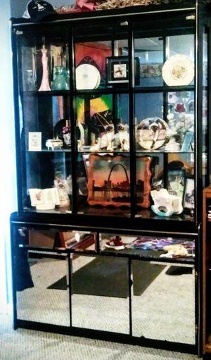 Mirrored Hutch . for Sale in Mitchell, IL
