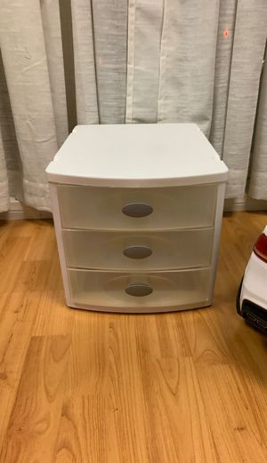 Sterilite plastic drawers for Sale in Los Angeles, CA