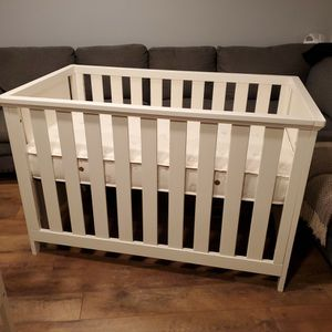 Imagio Baby Casey Crib and Changing Table in White for Sale in Inman, SC