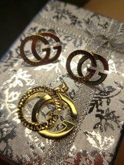 18K Solid Gold GG Pendant & Earrings 6.37 Grams for Sale in Kaysville,  UT