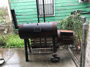 BBQ grill as is for Sale in Houston, TX